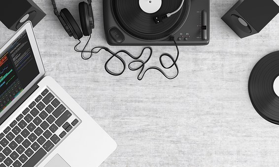 turntable and laptop